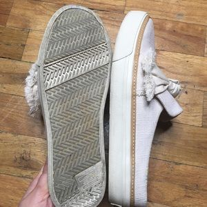 Toms Shoes - Toms Slip On Canvas Sneaker Loafer with Bow Sz 7